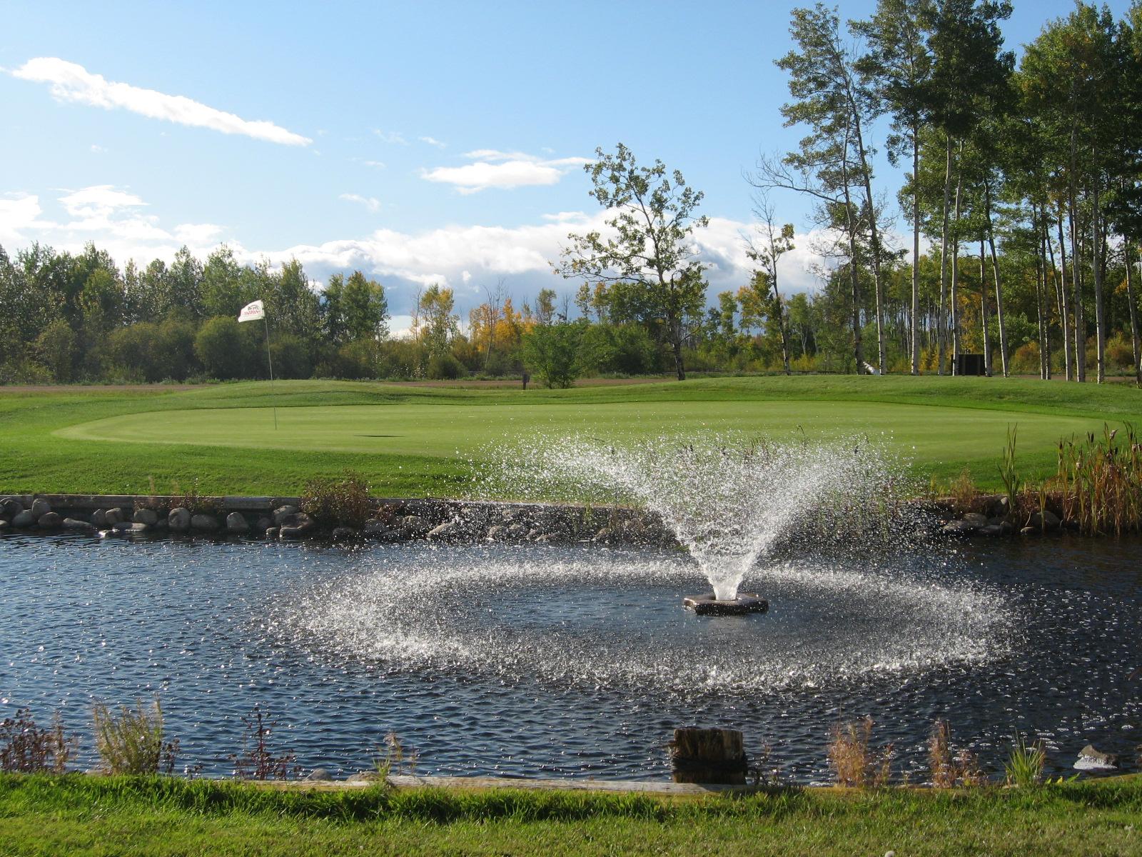 golf-course-fountain